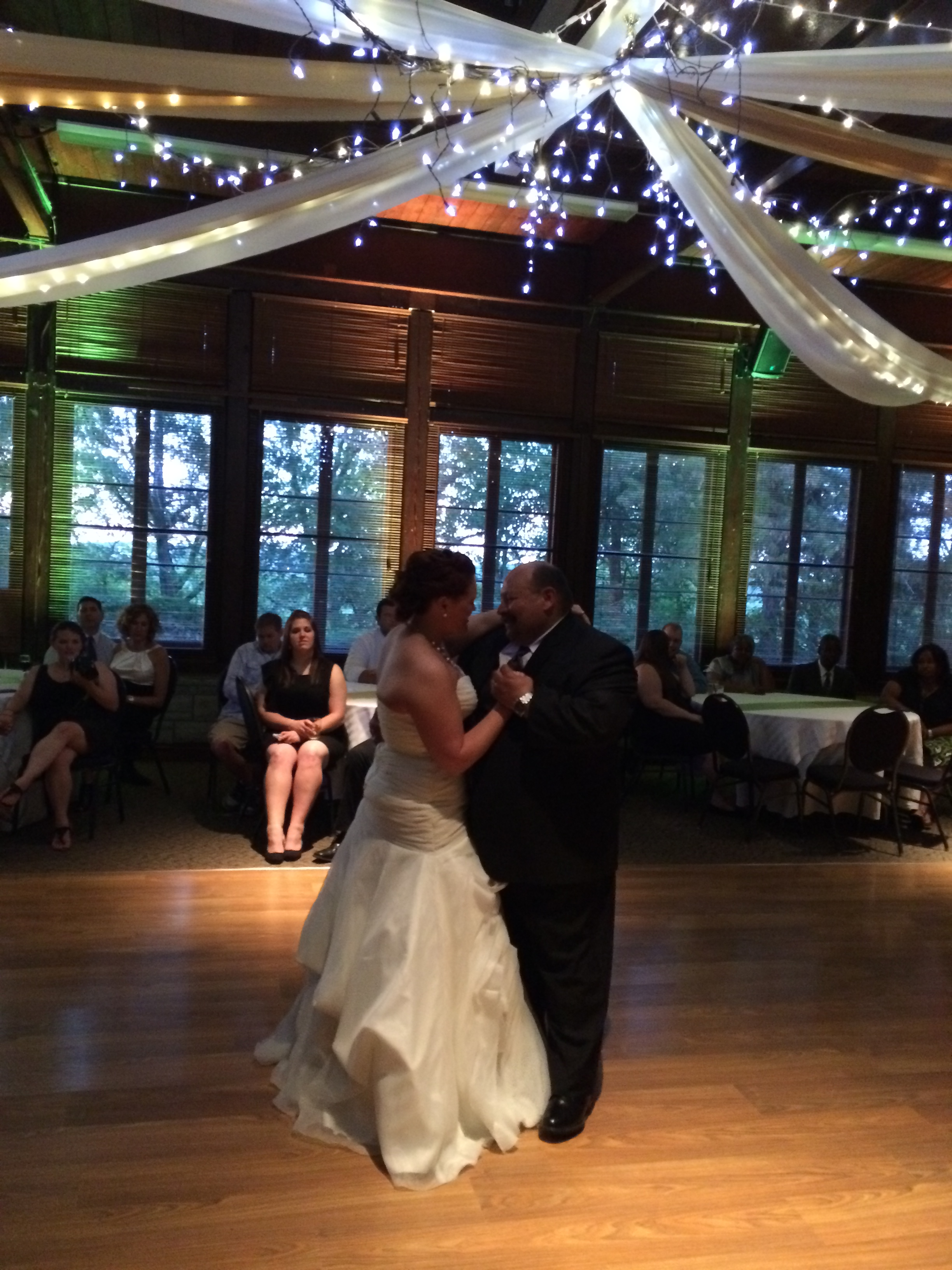 Starved Rock Lodge Utica Illinois See Photos From Recent Weddings And Events Guys On The Radio Dj Service